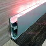 Плинтус со светодиодной подсветкой BG160 AS из алюминия
